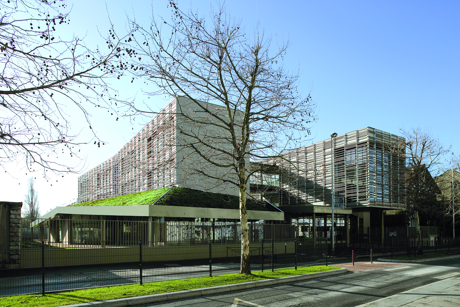 Groupe scolaire guillaume appolinaire bondy 93 for Architecture vegetale